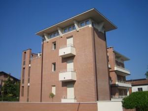 Progetto e Direzione Lavori di edificio residenziale di sei unità a Ferrara, per committenza privata. (2004)
