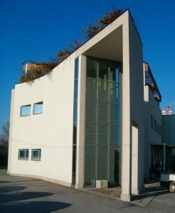 Progetto per la realizzazione di edificio industriale e palazzina uffici in zona PMI a Ferrara. (1999)