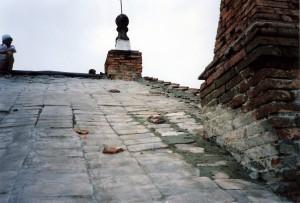Progetto e D.L. per il restauro delle strutture di copertura e degli infissi con recupero delle bucature originali della Chiesa di San Giovanni Battista a Ferrara. (1991)