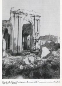 Ricostruzione monumento funebre della famiglia Braghini Rossetti nella chiesetta del cimitero di Pontelagoscuro (FE). (1989)