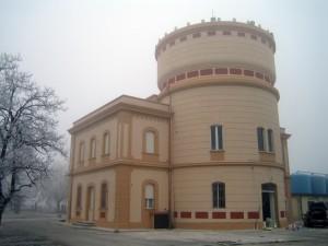 Progetto e D.L. per il restauro della Palazzina Servizi e Torre Acquedotto della Centrale di Potabilizzazione, a Ro (Fe). (2011)